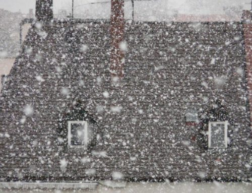 Nieve en el tejado, ¿qué debo hacer para evitar problemas en la cubierta?