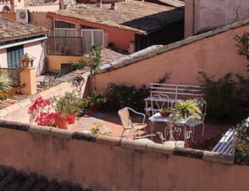 ¿Quién corre con los gastos de reparación de una terraza-cubierta, la comunidad o el propietario de ese ático?